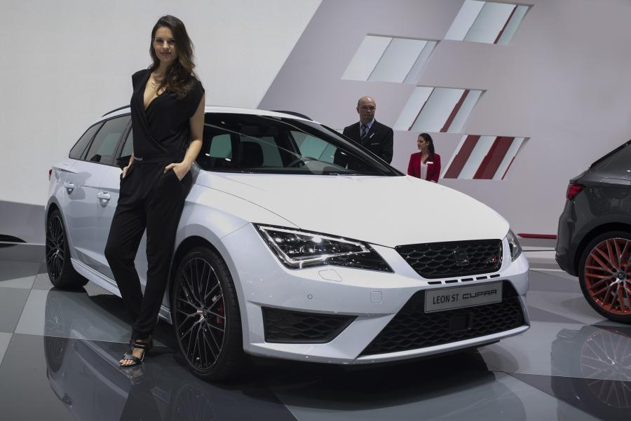 SEAT presents the new SEAT Leon ST CUPRA