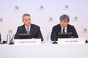 Chairman of the Executive Committee of SEAT, Luca de Meo, and SEAT Executive Vice-President for Finance, IT and Organization, Holger Kintscher at presentation of result for 2015